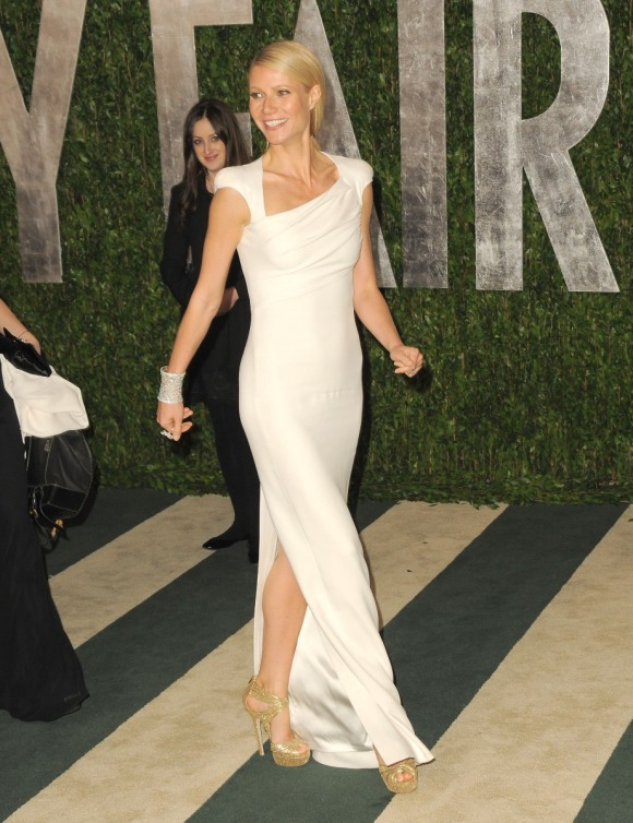 Gwyneth Paltrow in Tom Ford at the VF Oscars party--just the dress, simply perfect