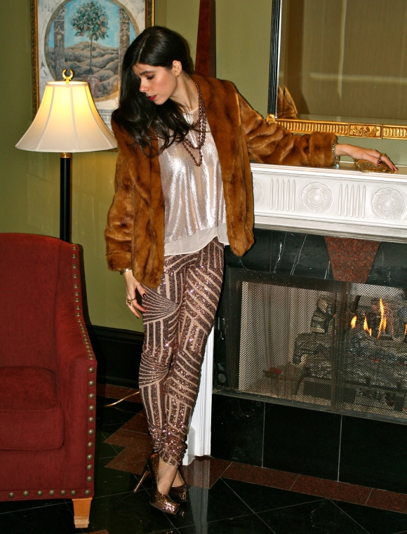 Pants: BCBG (similar found here), Blouse: BCBG (similar found here), Coat: Forever 21 (similar found here), Shoes: BCBG (similar found here), Bag: Vintage (similar found here), Necklace: NaHoku (similar found here)