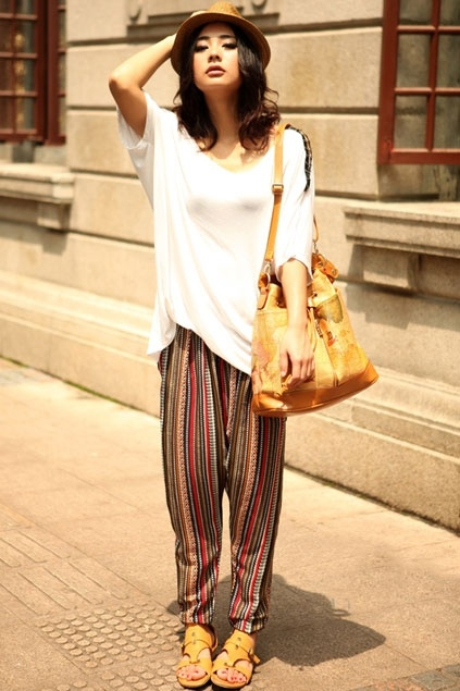 so bold & the oversized shirt compliments the pants perfectly!