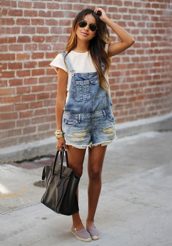 These overalls are my dream! Love the casual look & textured tee.